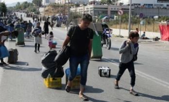Moria'da sığınmacılar büyük ölçüde kamplara yerleştirildi