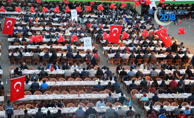 'Kardeşlik İftarı' ile 3 bin kişi buluştu