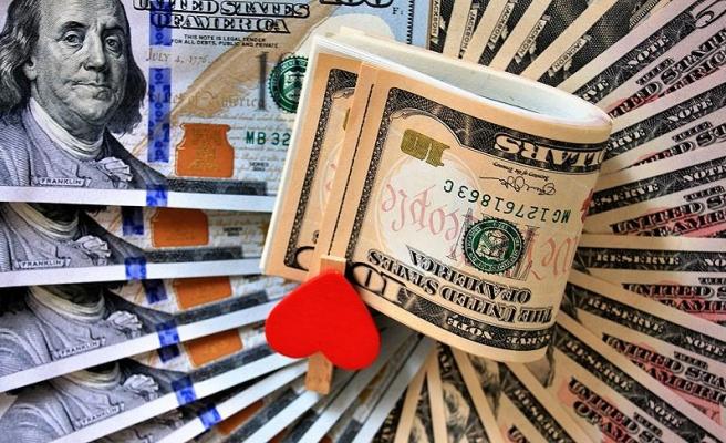 Sevgilisine 52 bin dolarlık buket