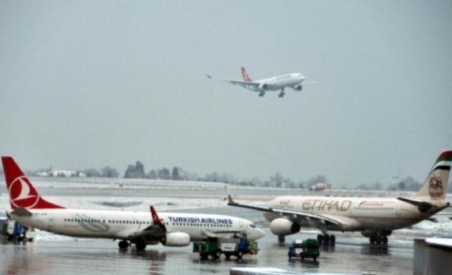Uçaklar Atatürk Havalimanı'ndan geri dönüyor