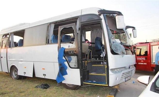 Manavgat'ta tur midibüsü kaza yaptı: 21 yaralı