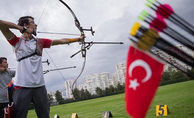 Türrkiye'yi 12 sporcu temsil edecek
