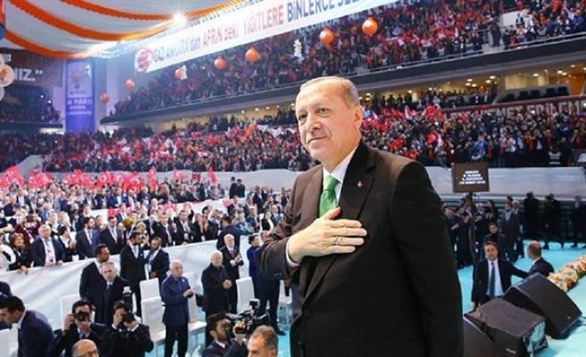 AK Parti'nin 11 milyona yakın üyesi var