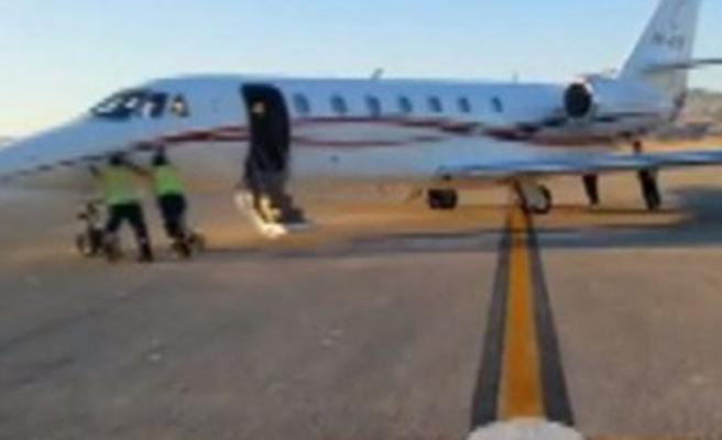 Yurdum insanı uçağı da iterek çalıştırır | VIDEO