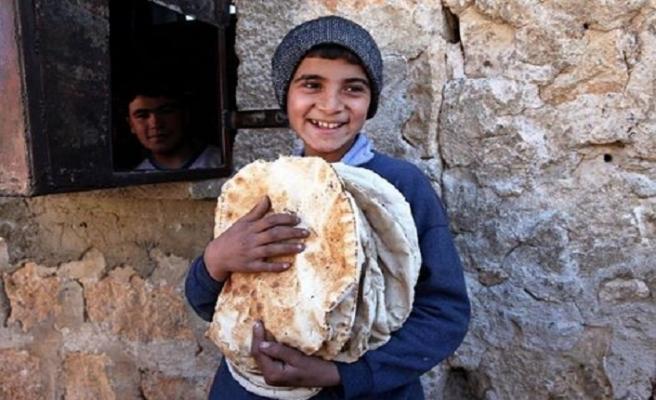 Elden teslim 250 milyon ekmek