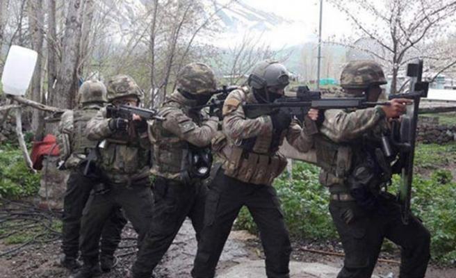 6 ildeki operasyonda muhtarların da bulunduğu 15 kişiye tutuklama