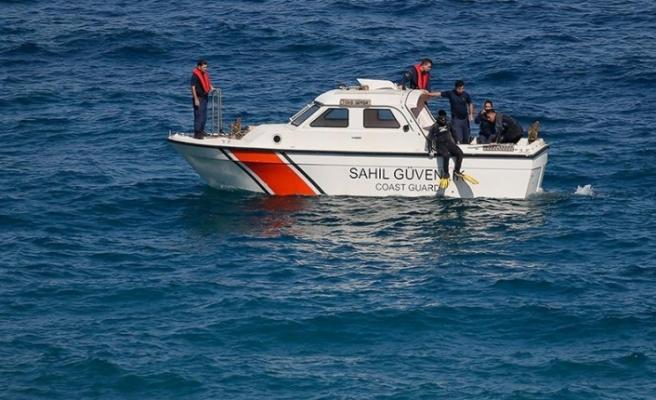 Karaburun'da 8 kişinin öldüğü göçmen teknesi faciasında 4 gözaltı
