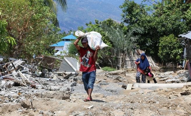 Endonezya'da ölü sayısı 2000'i aştı