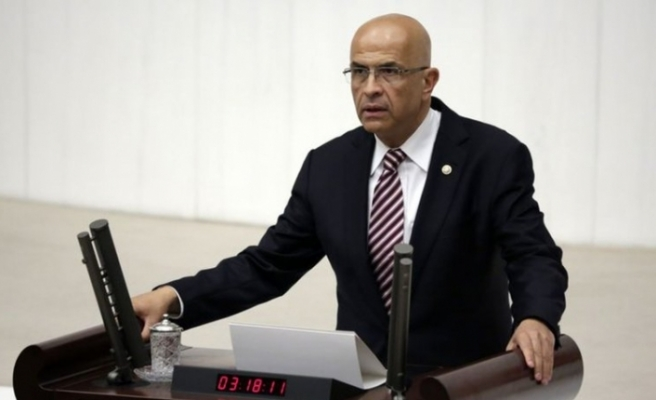 Enis Berberoğlu Meclis'te yemin etti
