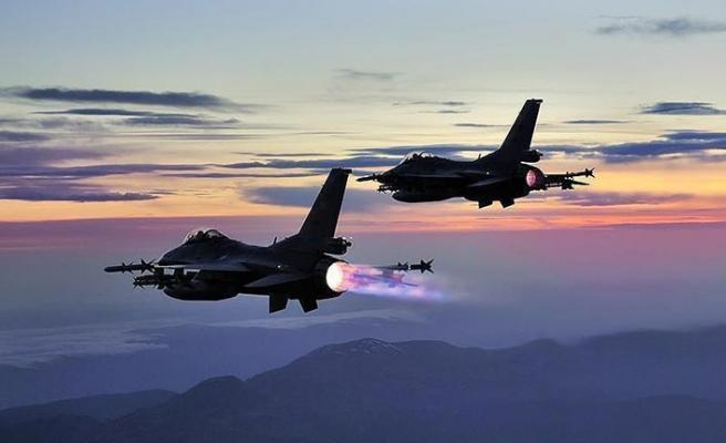 Kuzey Irak'ta saldırı hazırlığındaki teröristlere hava harekatı