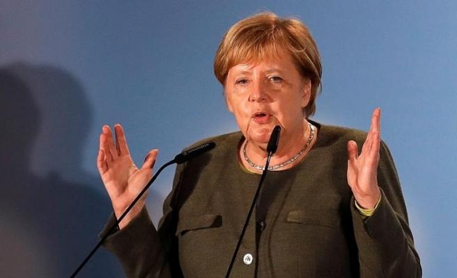 Merkel: Suudi Arabistan'a silah ihracatı yapılmayacak