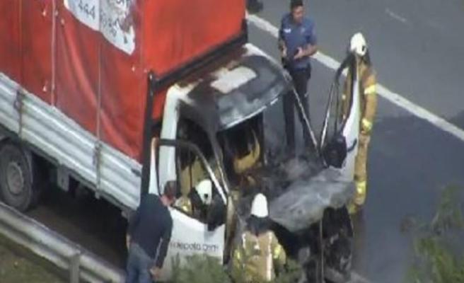TEM'de kamyonet yangını