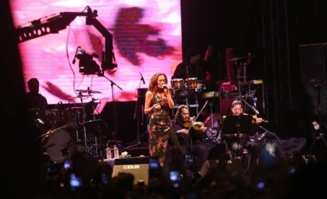 Edirne Müzik Festivalinde Yıldız Tilbe rüzgarı