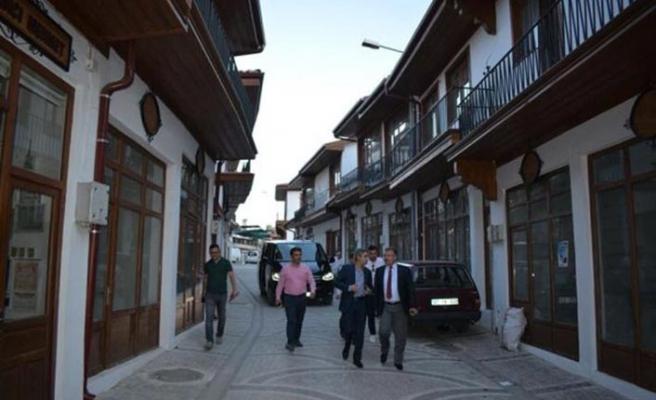 Pana Film'in 'Nöbet'i için kasaba kuruldu