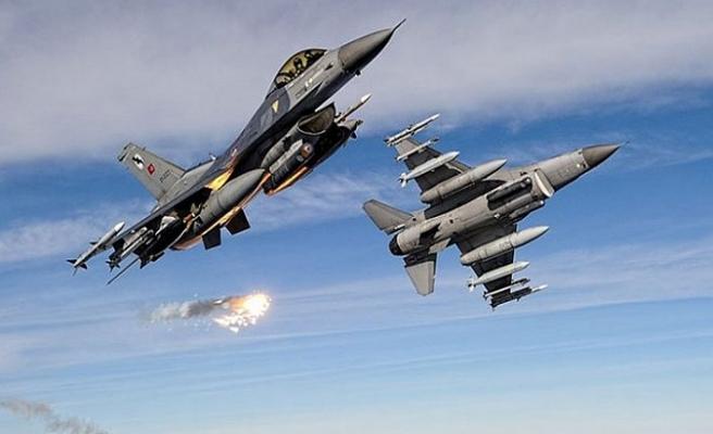 ABD uçakları Karadeniz semalarında... Rusya'ya gözdağı