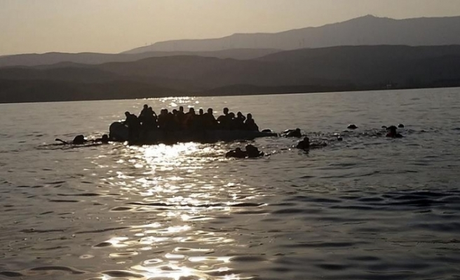 İspanya'da göçmenleri taşıyan tekne battı: 2 çocuk öldü