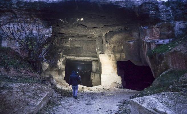 Mağarada yangın çıktı, hayvanlar telef oldu