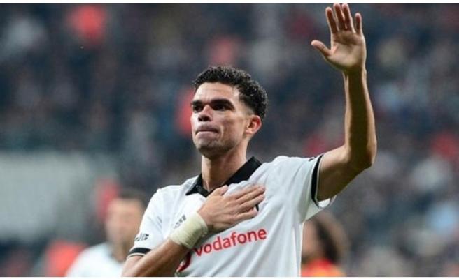 Beşiktaş'tan ayrılan Pepe Monaco yolcusu
