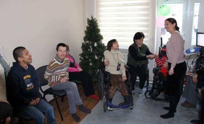 TİKA'dan Dünya Engelliler Günü'nde Kırgızistan'daki Engellilere Destek