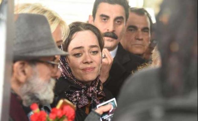 Cenazede fotoğraf kavgası... 'Bizim acımız var'