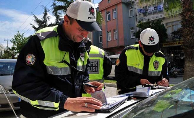 Sahte plakayla işçi taşıyan sürücüye 5 bin lira ceza