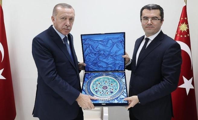Cumhurbaşkanı Erdoğan Erzurum Valisi ile Belediye Başkanını kabul etti