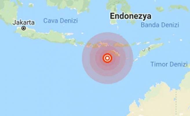Endonezya 3 günde 3'ünce kez şiddetli sallandı