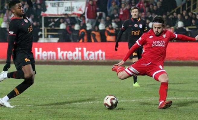 Galatasaray'a gol atamadı, takımdan kovuldu