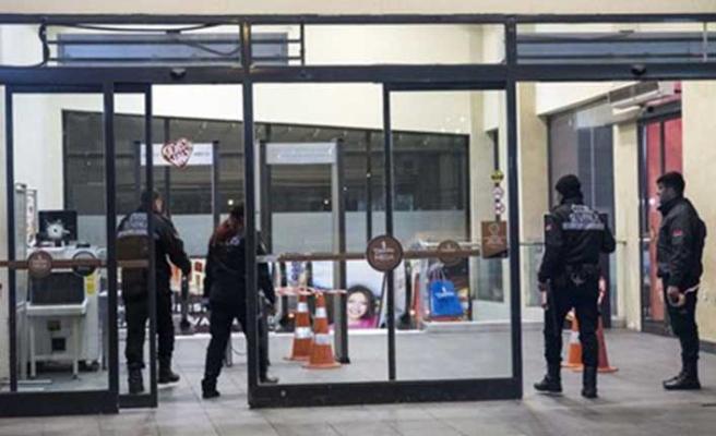 İstanbul'da AVM güvenlik noktasına silahlı saldırı