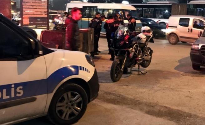 İzmir'de trafik polisi otomobilin çarpması sonucu şehit oldu