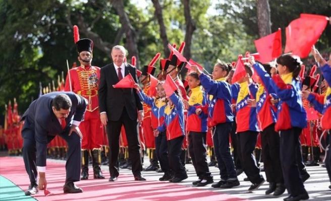 Cumhurbaşkanı Erdoğan'dan telefon: 'Maduro kardeşim! Dik dur, yanındayız'