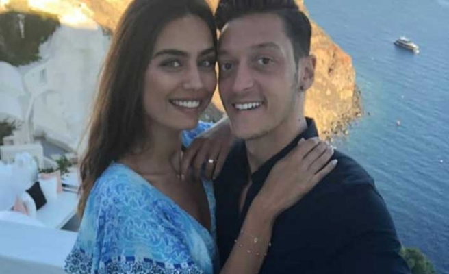 Mesut Özil Amine Gülşe çiftinin düğün tarihi belli oldu