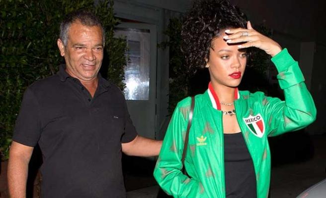 Rihanna babası ile mahkemelik oldu