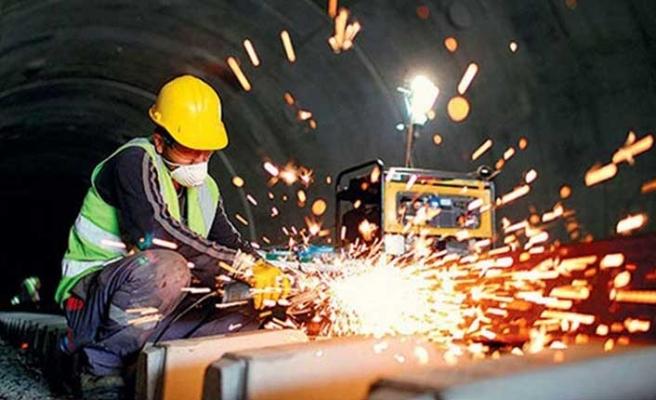 Mayıs'ta sanayi üretimi aylık bazda yüzde 17,4 arttı