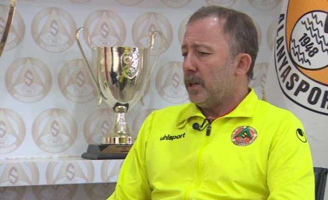 Sergen Yalçın, şampiyonluk için favorisini açıkladı