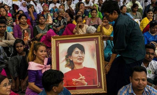Suu Çi, Özgürlük Nişanı'nı kaybetti