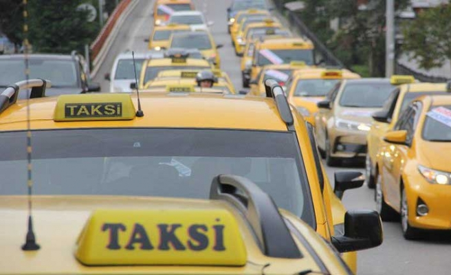 Taksiciler 'korsan taksi' nedeniyle ayaklandı
