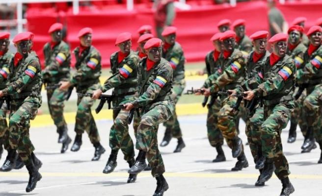 Venezuela ordusu kendini başkan ilan eden Guiado'yu desteklemeyecek