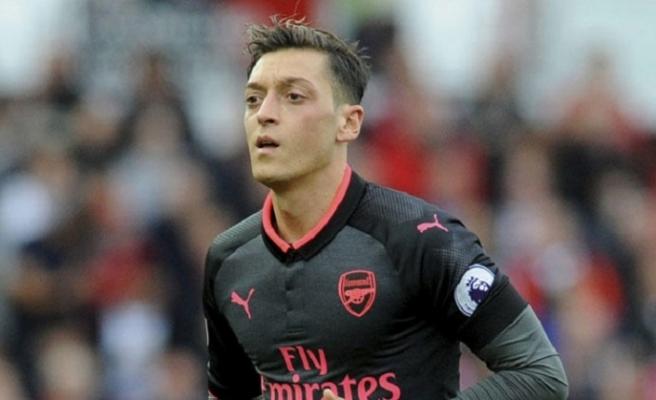Arsenal açıkladı! Mesut Özil yok...