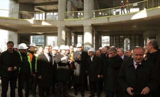 Başkan Erdoğan Taksim Camii inşaatını gezdi