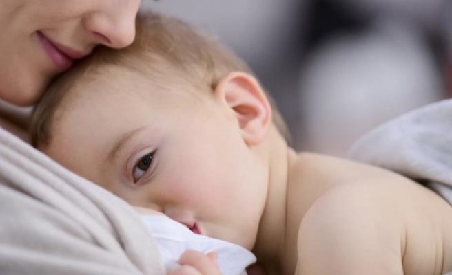Bebek nasıl emzirilir? Bebek emzirmenin anneye faydaları neler?