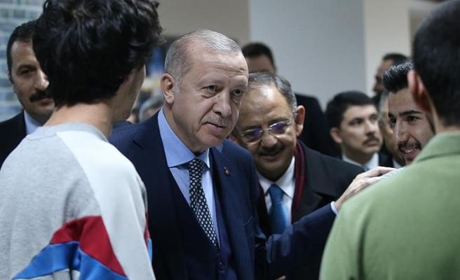 Cumhurbaşkanı Erdoğan Sincan'da millet kıraathanesini ziyaret etti