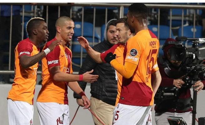 Galatasaray Kasımpaşa'da Feghouli ile farka koştu!