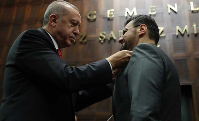 İYİ Parti'den istifa eden Tamer Akkal AK Parti'ye katıldı