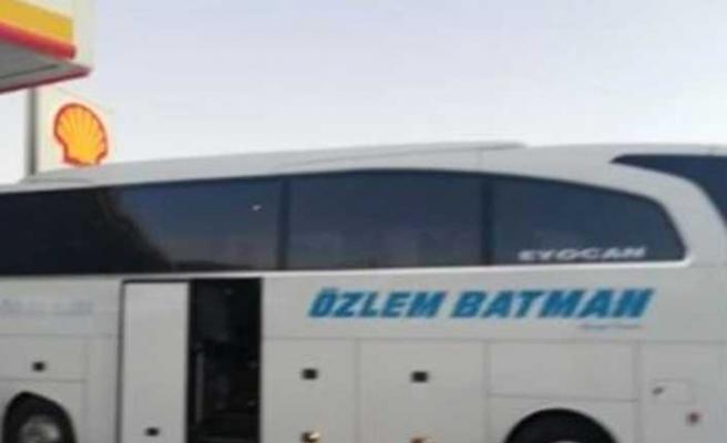 Namaz için otobüsün durmasını isteyen yolcu, tekme tokat dayak yedi