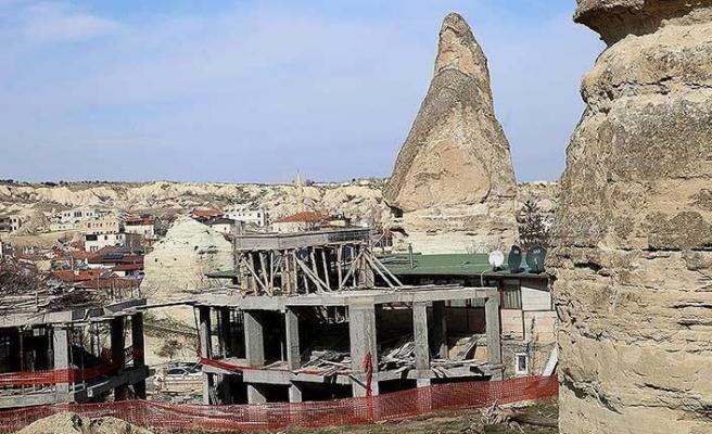 Peribacalarının yakınına yapılmış  ve yapılmakta olan 15 yapının yıkımına başlandı