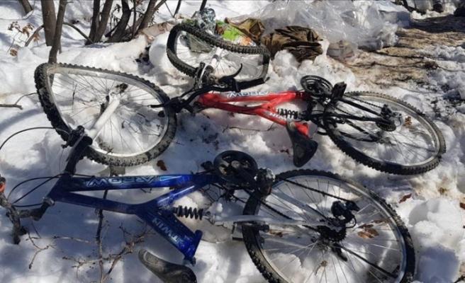 PKK sığınağında dağ bisikletleri ele geçirildi