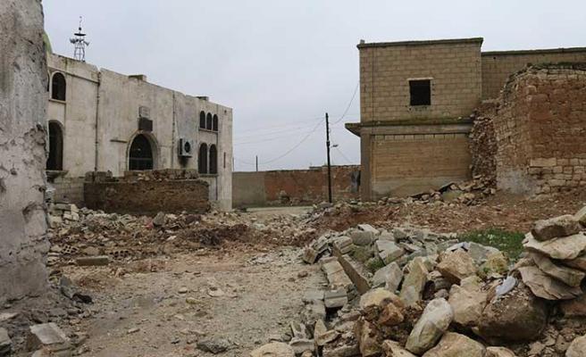 Rejim güçleri İdlib'de iki beldeyi tamamen yıktı