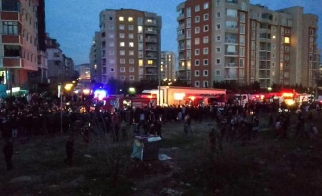 İstanbul'da site içerisine askeri helikopter düştü