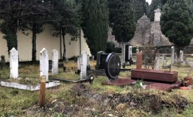 TİKA İtalya'da şehitliği onarıyor